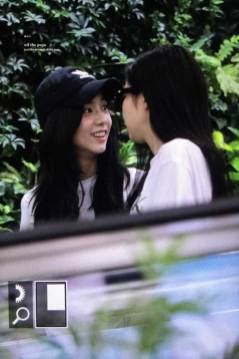 BLACKPINK-Jisoo-Jennie-Airport-Photo-26-July-2018-Gimpo-16