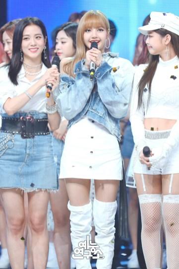 BLACKPINK Jisoo Jennie Lisa MBC Music Core white outfit 30 June 2018 photo