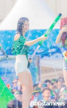 BLACKPINK-Jisoo-Sprite-Waterbomb-Festival-Seoul-55