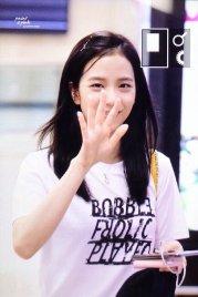 BLACKPINK Jisoo airport fashion 4 july 2018 photo 7