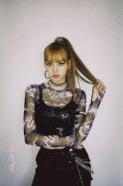 BLACKPINK-Lisa-Instagram-Photo-July-8,-2018-lalalalisa_m-7