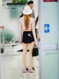 BLACKPINK-Lisa-airport-fashion-4-july-2018-photo-5
