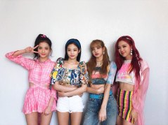 BLACKPINK-Official-Instagram-sbs-inkigayo-forever-young-pink-outfit