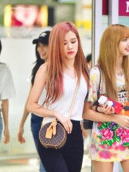 BLACKPINK Rose Airport Photo 26 July 2018 Gimpo 6