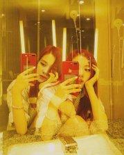 BLACKPINK Rose Instagram Photo 5 July 2018 roses are rosie mirror selfie 5