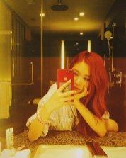 BLACKPINK Rose Instagram Photo 5 July 2018 roses are rosie mirror selfie