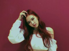 BLACKPINK-Rose-Instagram-Photo-Roses-Are-Rosie-white-outfit-6