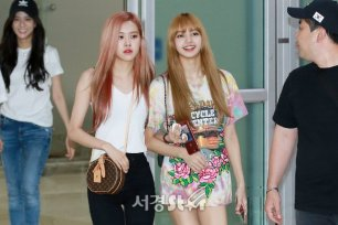 BLACKPINK Rose Lisa Airport Photo 26 July 2018 Gimpo 10