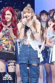 BLACKPINK Rose Lisa MBC Music Core 7 July 2018 PD Note