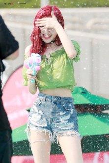 BLACKPINK-Rose-Sprite-Waterbomb-Festival-Seoul-27