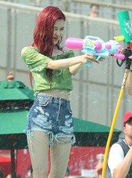 BLACKPINK-Rose-Sprite-Waterbomb-Festival-Seoul-5