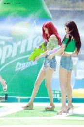BLACKPINK-Rose-Sprite-Waterbomb-Festival-Seoul-50