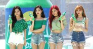 BLACKPINK-SPRITE-ISLAND-WATERBOMB-FESTIVAL-SEOUL-21-July-2018-photo-29