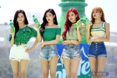 BLACKPINK-SPRITE-ISLAND-WATERBOMB-FESTIVAL-SEOUL-21-July-2018-photo-4