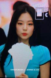 BLACKPINK-UPDATE-Jennie-Airport-Photo-Fashion-22-July-2018-japan-arena-tour-58