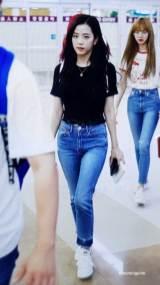 BLACKPINK-UPDATE-Jisoo-Airport-Photo-20-July-2018-Back-From-Japan-5