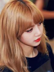 BLACKPINK UPDATE Lisa Airport Photo Fashion 22 July 2018 japan arena tour 22