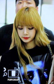 BLACKPINK-UPDATE-Lisa-Airport-Photo-Fashion-22-July-2018-japan-arena-tour-9