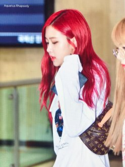 BLACKPINK UPDATE Rose Airport Photo 20 July 2018 Back From Japan