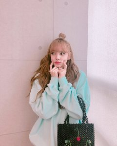 BLACKPINK Lisa Instagram and Insta Story Update, July 7, 2018