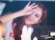blackpink rose car photos leaving sbs inkigayo july 8, 2018 white tshirt 2