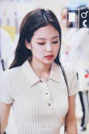 BLACKPINK-Jennie-Airport-Photo-23-August-2018-Gimpo-35
