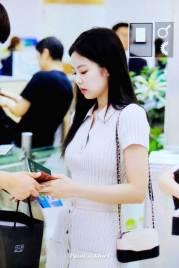 BLACKPINK-Jennie-Airport-Photo-23-August-2018-Gimpo-37