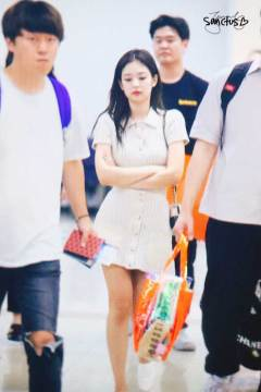BLACKPINK-Jennie-Airport-Photo-23-August-2018-Gimpo-40