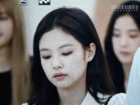 BLACKPINK-Jennie-Airport-Photo-23-August-2018-Gimpo