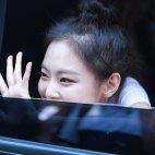 BLACKPINK Jennie Car Photos Inkigayo 5 August 2018 good bye stage 11