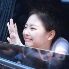 BLACKPINK Jennie Car Photos Inkigayo 5 August 2018 good bye stage 27