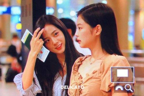 BLACKPINK-Jennie-Jisoo-Jensoo-Airport-Photo-18-August-2018-Incheon-6