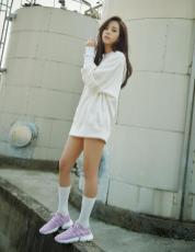 BLACKPINK Jisoo Adidas POD S31 purple 2