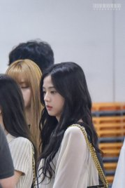 BLACKPINK-Jisoo-Airport-Photo-23-August-2018-Gimpo-2