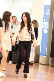 BLACKPINK-Jisoo-Jennie-Jensoo-Airport-Photo-23-August-2018-Haneda-4