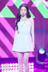 BLACKPINK-Jisoo-mbc-music-core-4-august-2018-good-bye-stage-2
