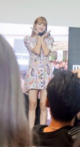 BLACKPINK LISA moonshot central world fansign event bangkok thailand 129