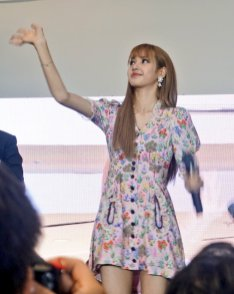 BLACKPINK LISA moonshot central world fansign event bangkok thailand 132