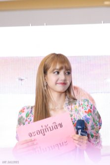 BLACKPINK LISA moonshot central world fansign event bangkok thailand 168