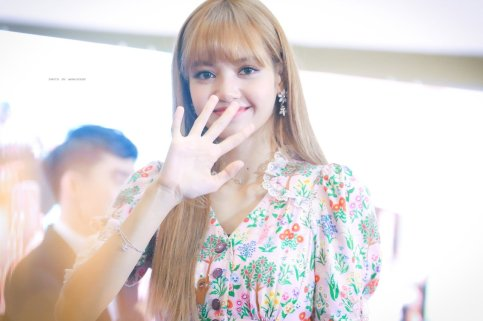 BLACKPINK LISA moonshot central world fansign event bangkok thailand 184