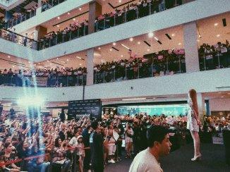BLACKPINK LISA moonshot central world fansign event bangkok thailand 20