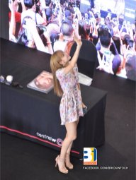 BLACKPINK LISA moonshot central world fansign event bangkok thailand 40