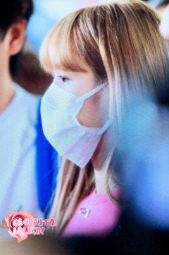 BLACKPINK-Lisa-Airport-Photo-18-August-2018-Incheon-4