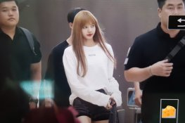 BLACKPINK Lisa Airport Photo 8 August 2018 Incheon to Jakarta Indonesia 24
