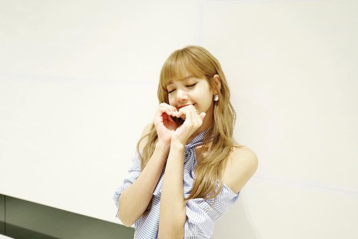 BLACKPINK Lisa Instagram photo 12 August 2018 lalalalisa m
