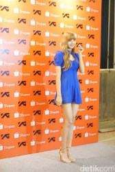 BLACKPINK Lisa meet and greet Jakarta Indonesia press 7