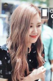 BLACKPINK-Rose-Airport-Photo-23-August-2018-Gimpo-15