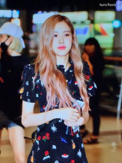 BLACKPINK-Rose-Airport-Photo-23-August-2018-Gimpo-2