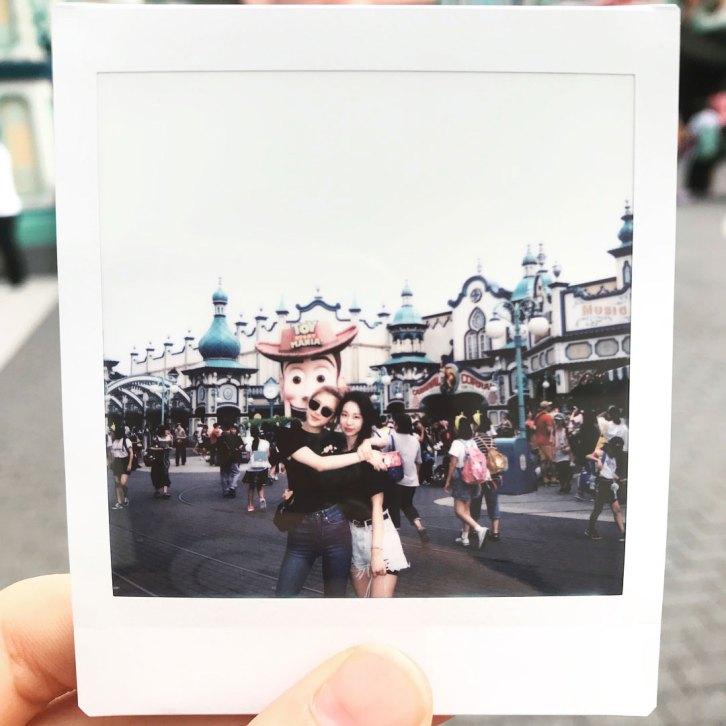 BLACKPINK-Rose-Instagram-Photo-30-August-2018-Disneysea