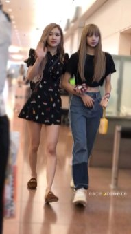 BLACKPINK-Rose-Lisa-Chaelisa-Airport-Photo-23-August-2018-Haneda-2